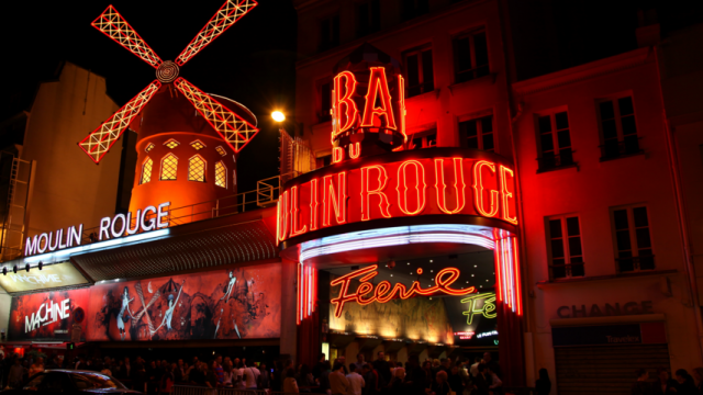 Pubsurfing Moulin Rouge